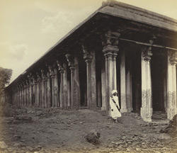 Seringham Pagoda near Trichinopoly. The Hall of One Thousand Columns